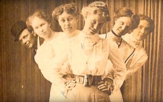 1世紀の間ロンドンのウエストエンドを支配した女性の万引きギャングに会いましょう