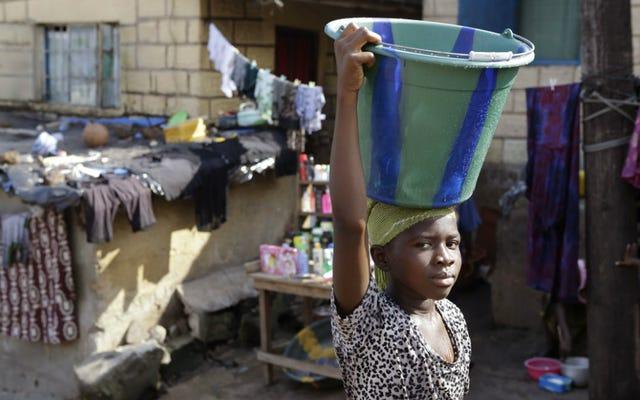 Les filles `` visiblement enceintes '' en Sierra Leone interdites d'aller à l'école