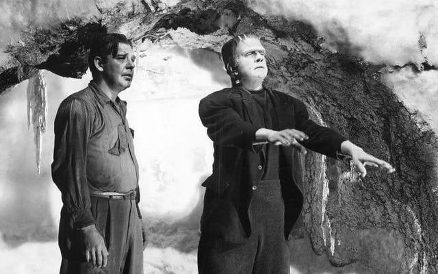Restez jusqu'à la fin, quand l'homme-loup combat enfin le monstre de Frankenstein