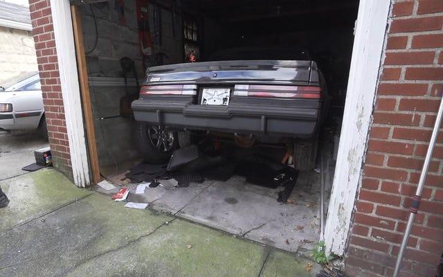 Qualcuno ha completamente trascurato questa Buick Grand National per 34 anni e ora sembra di nuovo nuova di zecca