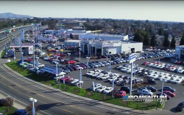 I concessionari di automobili della California chiudono bruscamente senza preavviso, ma la massiccia sonda di frode SEC offre un suggerimento