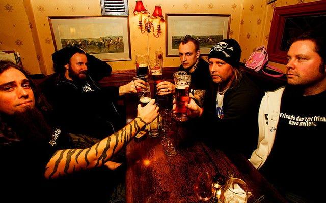 スウェーデンのデスメタルの王族によって設立されたクラフトビール醸造所の内部