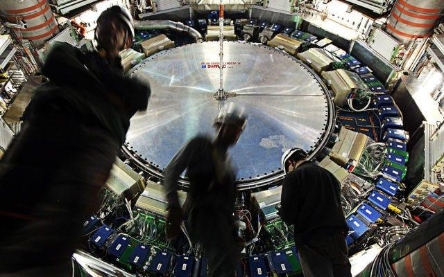 LHC에서 가능한 새로운 입자에 대한 희망이 빠르게 사라지고 있습니다.