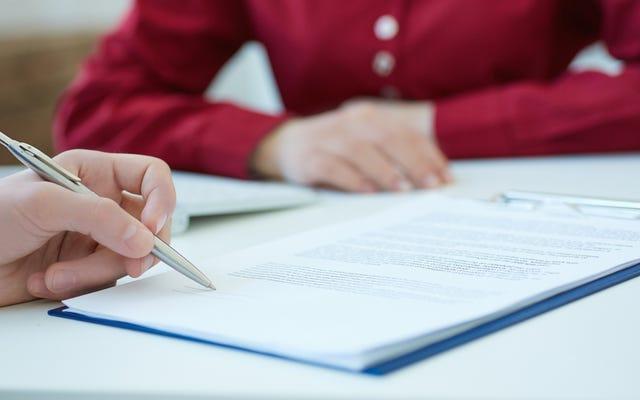 อะไรคือความแตกต่างระหว่าง Loan Cosigner และผู้ค้ำประกัน?