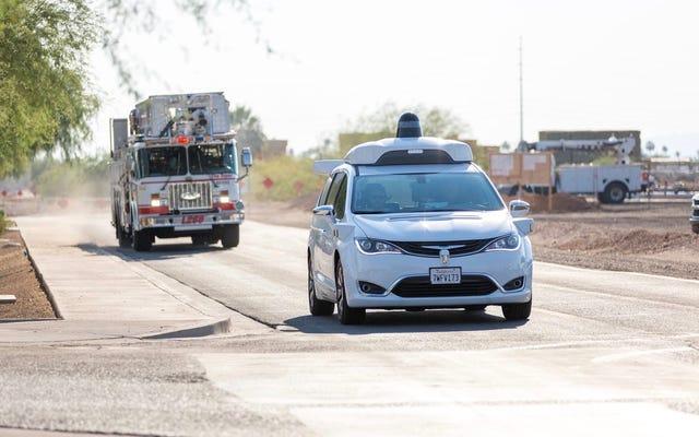 Google Sürücüsüz Araç Testinde Acil Durum Araçlarını Kullanmak İçin Aslında Şehre Ödemedi (Güncellenmiş)