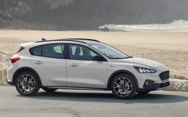 北米で小型車とセダンを段階的に廃止するためのフォードのスケジュールは次のとおりです
