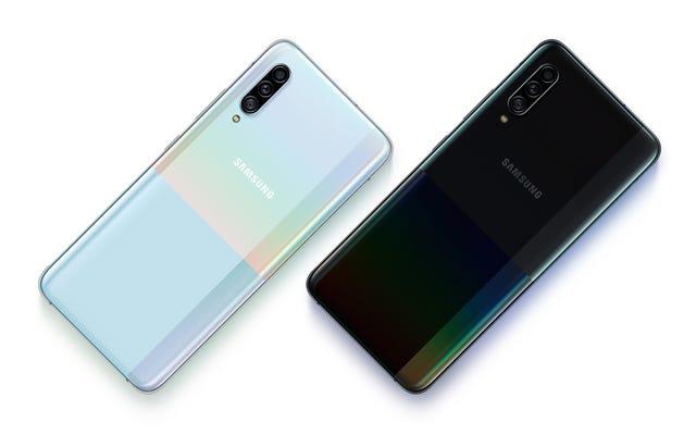 Новый Galaxy A90 имеет 5G, процессор Snapdragon 855 и странный дизайн.