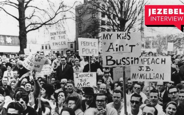 バス、ジョー・バイデン、および「学校の人種差別撤廃に対する白い反発の蔓延」について