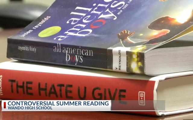 サウスカロライナ州警察組合が警察の残虐行為小説について泣き言学校の夏の読書リストに載っているのが嫌い