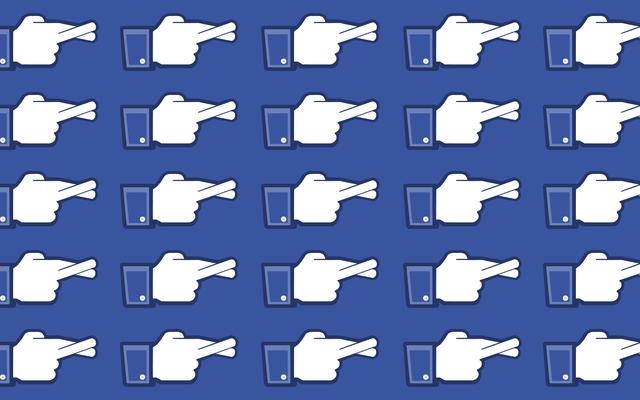 Война Facebook с ерундой идет не очень хорошо - мы поговорили с проверяющими факты на передовой