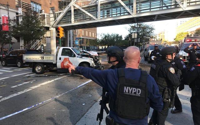 8 morti, lesioni multiple dopo che un camioncino si è schiantato contro persone sulla pista ciclabile a New York; Identificato il sospetto
