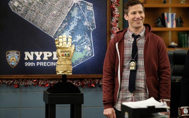 """Brooklyn Nine-Nine ấp ủ nó với """"Valloweaster"""" cạnh tranh"""