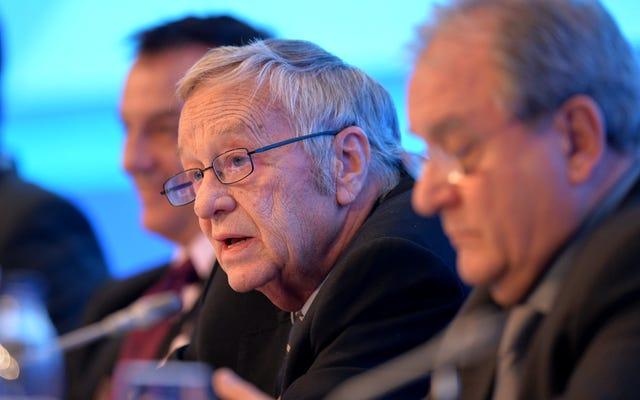 Le chef de la Fédération internationale de ski nie le changement climatique et affirme qu'il est plus facile de travailler avec des dictateurs