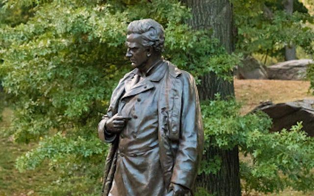 """Burmistrz Kolumbii prosi Południową Karolinę o usunięcie rzeźby """"ojca ginekologii"""""""