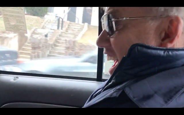 John Elway, il tassista, un superfan scioccato nell'apprendere la sua tariffa è John Elway