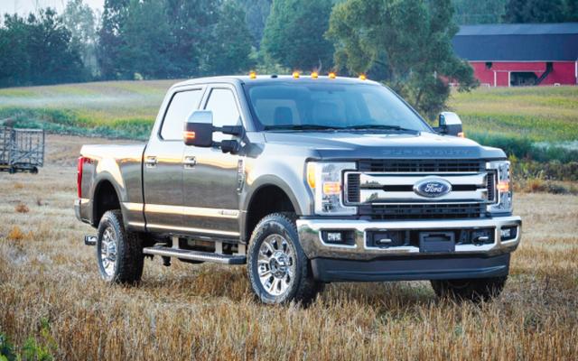 Pozew oskarża Forda o oszukiwanie emisji spalin w 500 000 ciężarówek