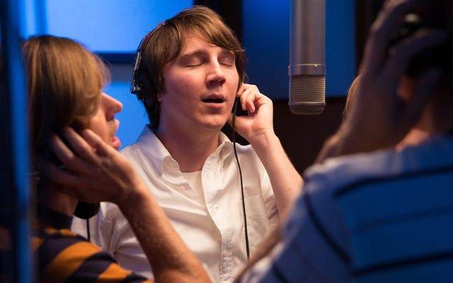 Love & Mercy chọn lọc bộ não của Brian Wilson, tìm ra điểm mạnh trong đôi tai của anh ấy