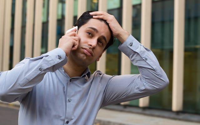 Dites que votre téléphone est en train de mourir au début de chaque appel téléphonique ennuyeux