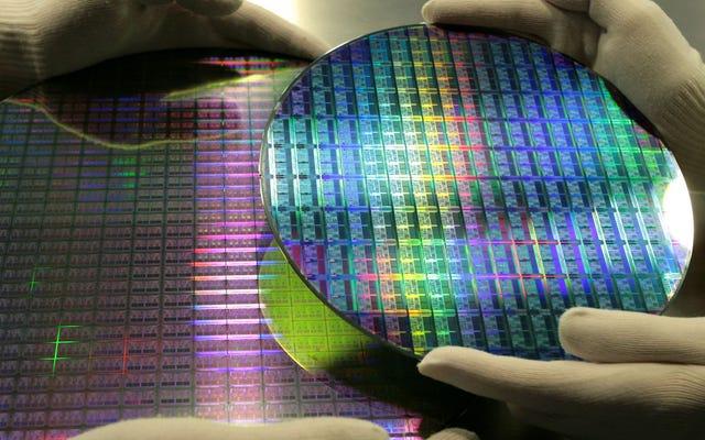 彼らはSpectreやMeltdownに似たプロセッサの新しい脆弱性を発見し、その解決策はPCの速度を低下させる可能性があります
