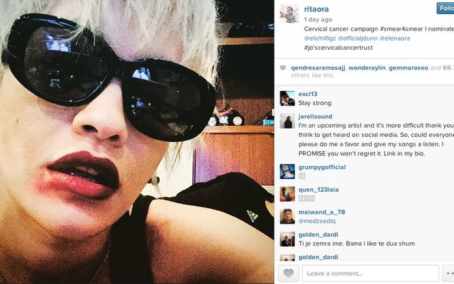 ¿Se tomará con valentía una selfie manchada de lápiz labial para ayudar con las pruebas de Papanicolaou?