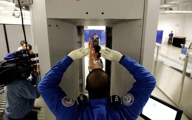Les scanners corporels d'aéroport ont un problème de genre