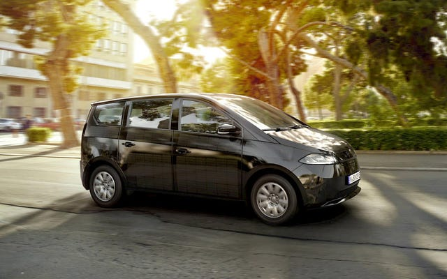 Sono Motors Berencana Membangun Mobil Listrik Tenaga Surya Di Bekas Pabrik Saab
