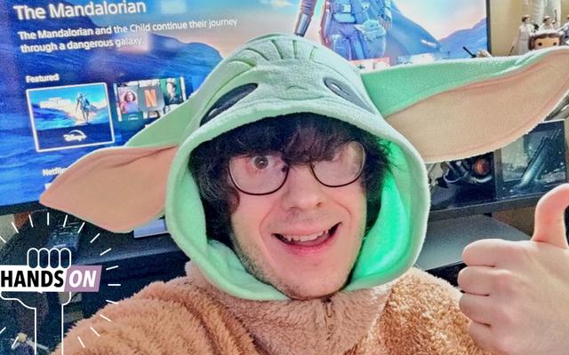 io9 Investigates: Czy noszenie gigantycznego Baby Yoda Onesie poprawi Twoje mandaloriańskie wrażenia podczas oglądania?
