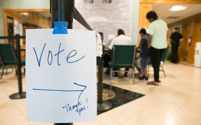 ジョージア州の黒人高齢者がバスを降りて投票するよう命じた
