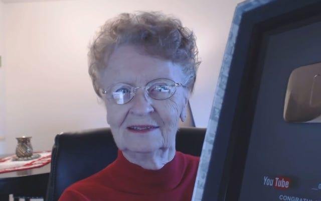 स्किरिम की भूमिका निभाने वाली दादी ने 300 से अधिक वीडियो बनाए हैं