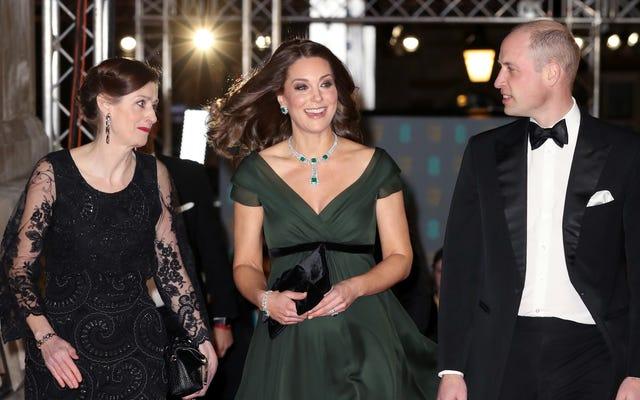 케이트 미들턴은 아마도 BAFTA에서 자리를 잡아야 할 것입니다.