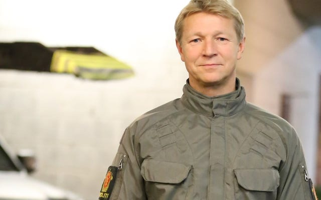 El uniforme de policía experimental de Noruega es tonto y algo aterrador