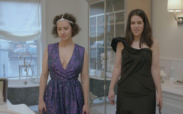 Ilana ve Lincoln, Broad City'deki yemek metaforları yardımıyla ilişkilerini tanımlar.