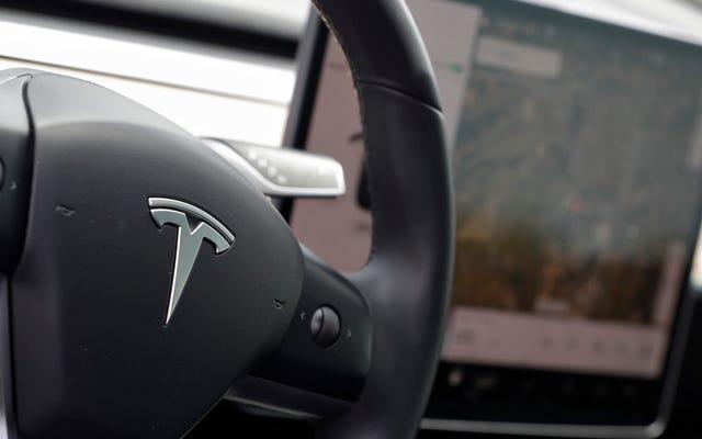 La plupart des propriétaires du modèle 3 pensent que le pilote automatique les rend plus sûrs: rapport