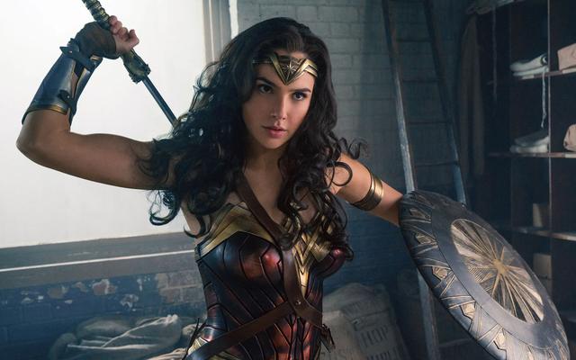 Guarda Gal Gadot e Lynda Carter discutere la sfida di interpretare Wonder Woman