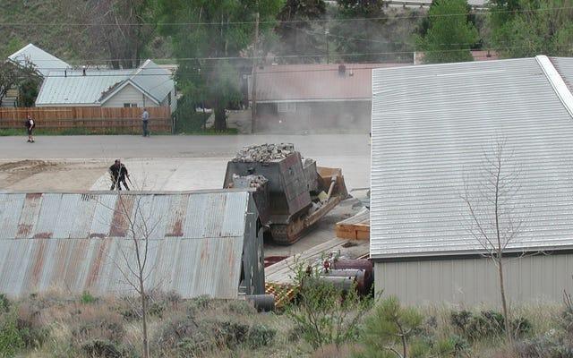 Il giorno della furia di Mr. Marvin, o Come costruire un bulldozer corazzato e radere al suolo la tua città