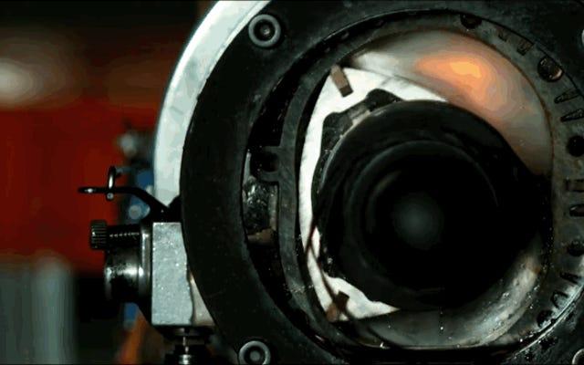 超低速回転モーターがどのように機能するかを確認することは、力学を学ぶための最良の方法です