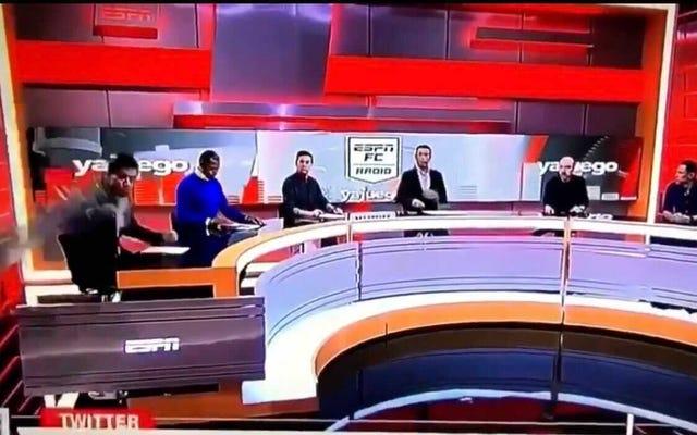 मानो या न मानो, यह ESPN कोलम्बिया एंकर इससे बच गया! और (अपेक्षाकृत) निर्लिप्त