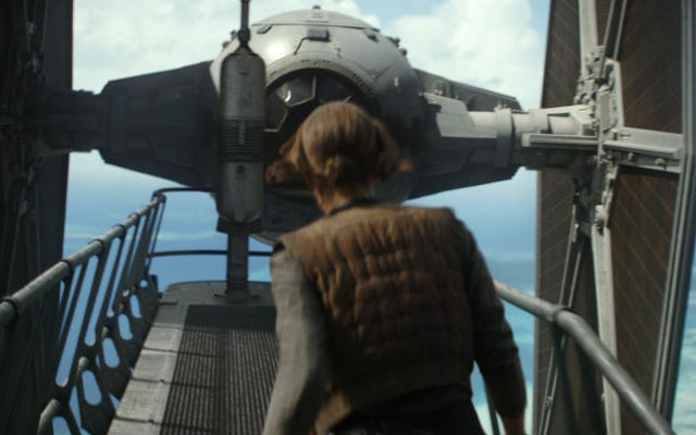 สามเดือนหลังจากวางจำหน่าย Rogue One: A Star Wars Story ได้นักแต่งเพลงใหม่