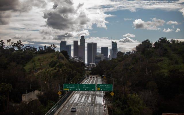 Thống đốc Gavin Newsom ra lệnh cho Toàn bộ Tiểu bang California ở lại nhà của họ