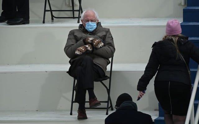 バーニー・サンダースはただ「暖かく保とうとしている」だけだった