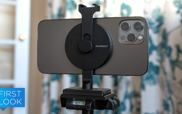 MomentのMagSafe三脚マウントはiPhone12の購入を片手で正当化する可能性があります