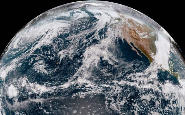 Il nuovo satellite del Pacifico della NOAA ha restituito le sue prime immagini gloriose dell'Alaska e delle Hawaii