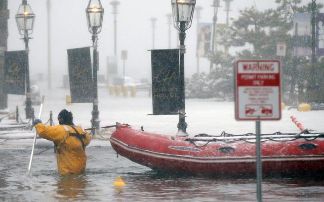 Tại sao Nor'easters gây ra lũ lụt tồi tệ như vậy?
