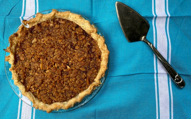 Puttin 'on the Ritz: All about Mock Apple Pie