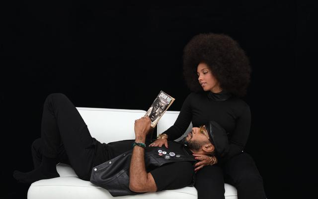 ブラックパンサーパワーカップルとしてのカルチャードマガジンの表紙にアリシアキーズとスウィズビーツ