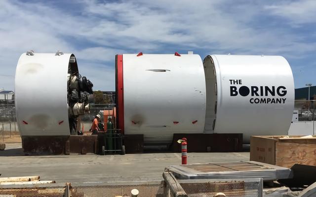 To maszyna, za pomocą której Elon Musk chce kopać tunele, aby zmniejszyć ruch w mieście
