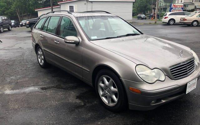 ที่ 3,995 เหรียญสหรัฐ Mercedes C240 4Matic Wagon ปี 2004 นี้สามารถเขย่าความทรงจำของคุณได้หรือไม่?