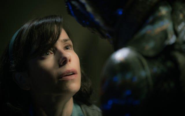 Guillermo Del Toro berhubungan dengan sisi sentimentalnya dalam The Shape Of Water yang mewah