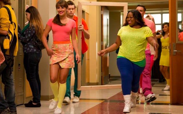 """Glee retorna. A América pergunta: """"Glee ainda é uma coisa?"""""""