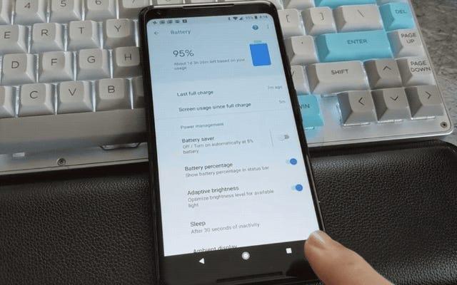 Google Pixel 2には、昨年のAndroidスマートフォンのようにメニューボタンが隠されているので、使用できます。